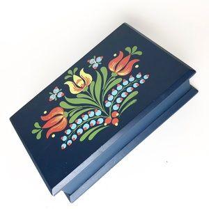 Retro Scandinavian inspired Blue floral tulip box